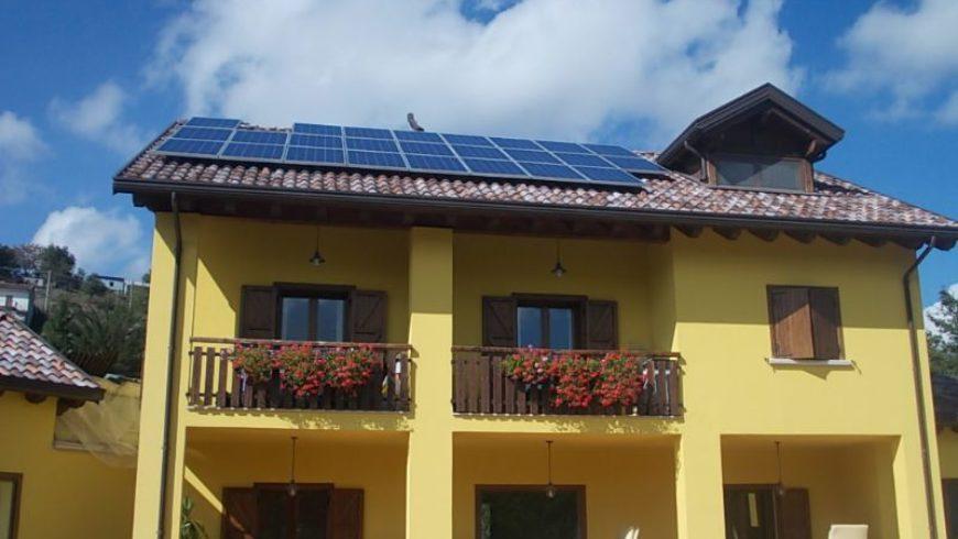 Bollette, da aprile aumento del 2,9% per l'elettricità